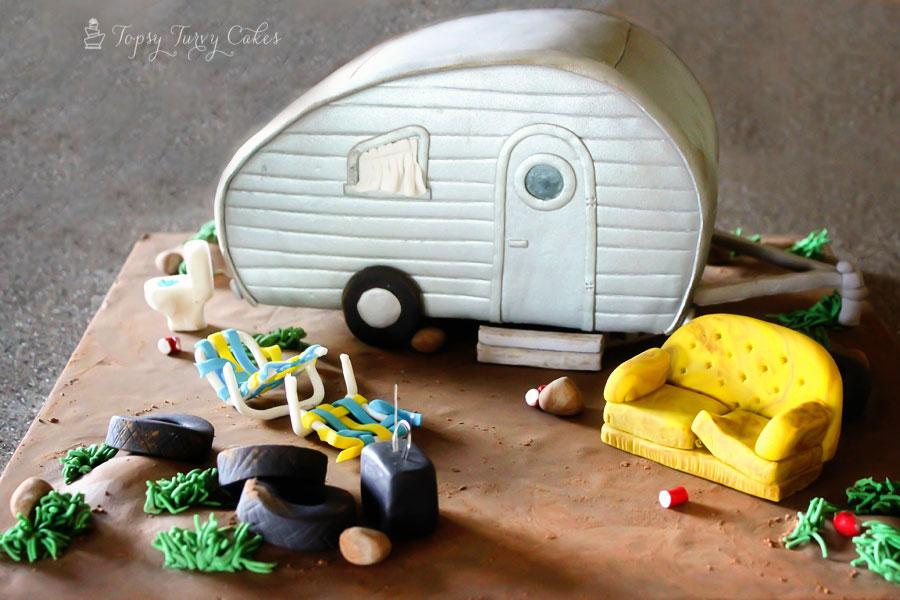 Topsy-Turvy-Cakes-white-trailer-trash