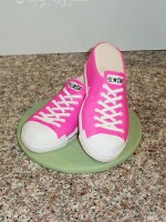 Topsy-Turvy-Cakes-converse-shoes