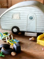 Topsy-Turvy-Cakes-white-trash-trailer