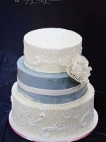 Topsy-Turvy-Cakes-wedding-buttercream-lace