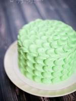 Topsy-Turvy-Cakes-buttercream-smash-cake-crescent