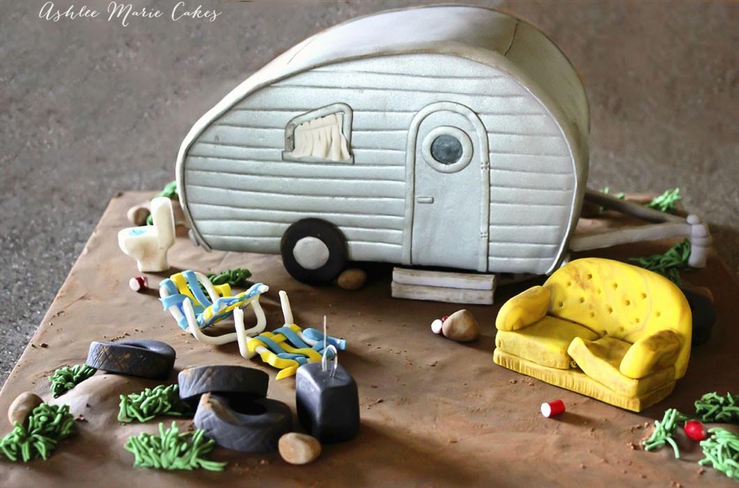 carved-white-trash,-tear-drop-trailer-cake-ashlee-marie-cakes